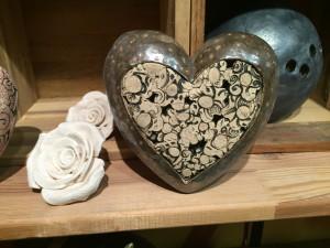 Herz mit Rose, teilgewaschen und glasiert
